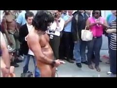 musculosos se masturban en publico