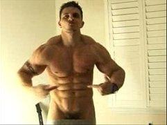 Big Muscle Webcam Guy-1
