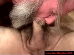 Hairy homeless duo sucking for facials